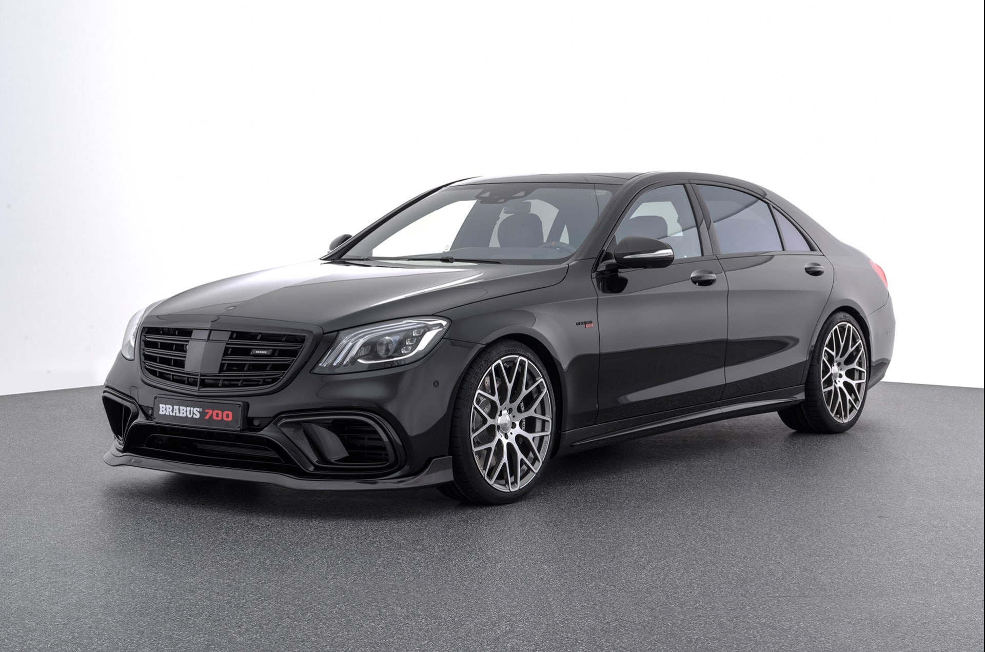 Brabus 700 on S63 4Matic + Saloon
