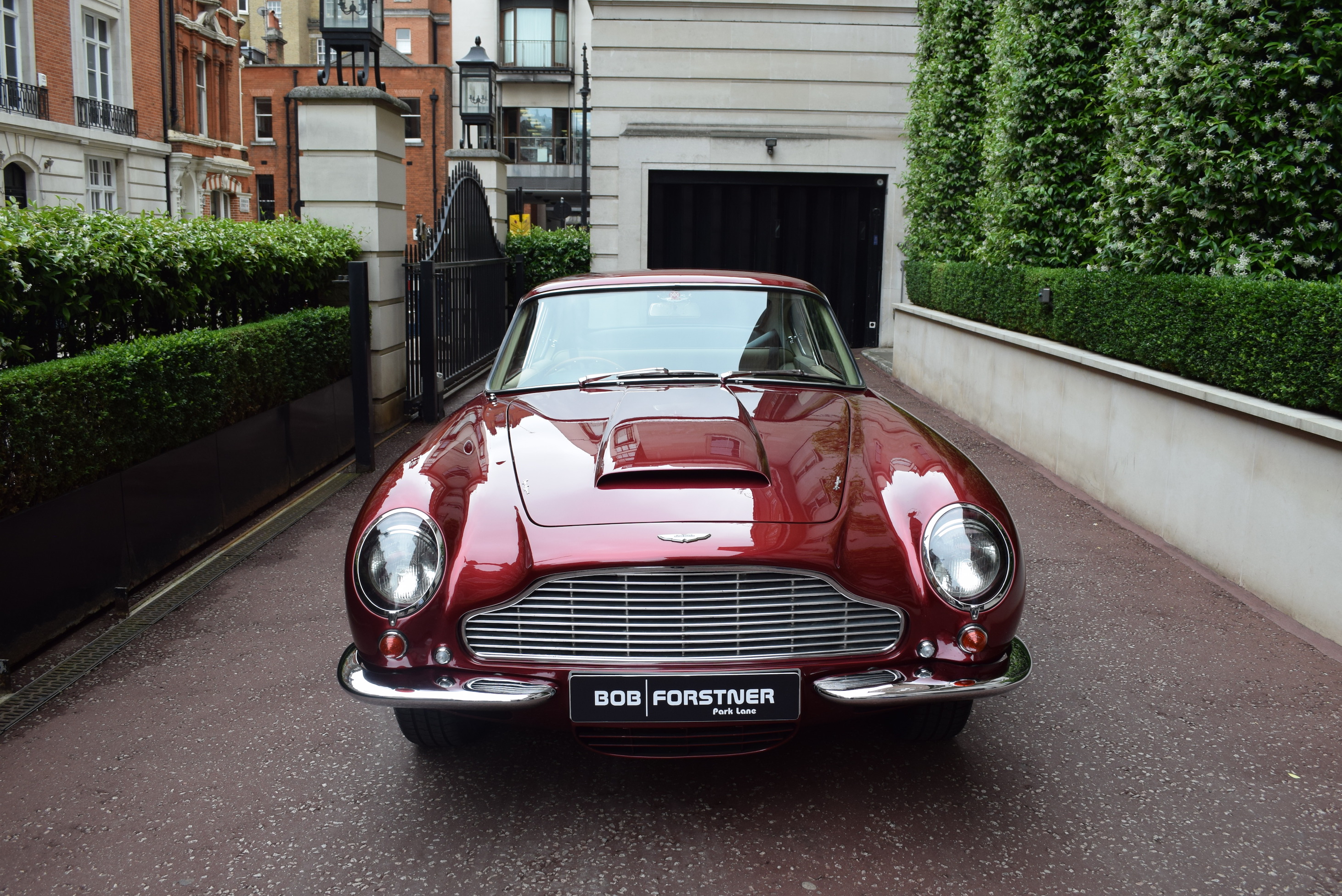 1967 Aston Martin DB 6