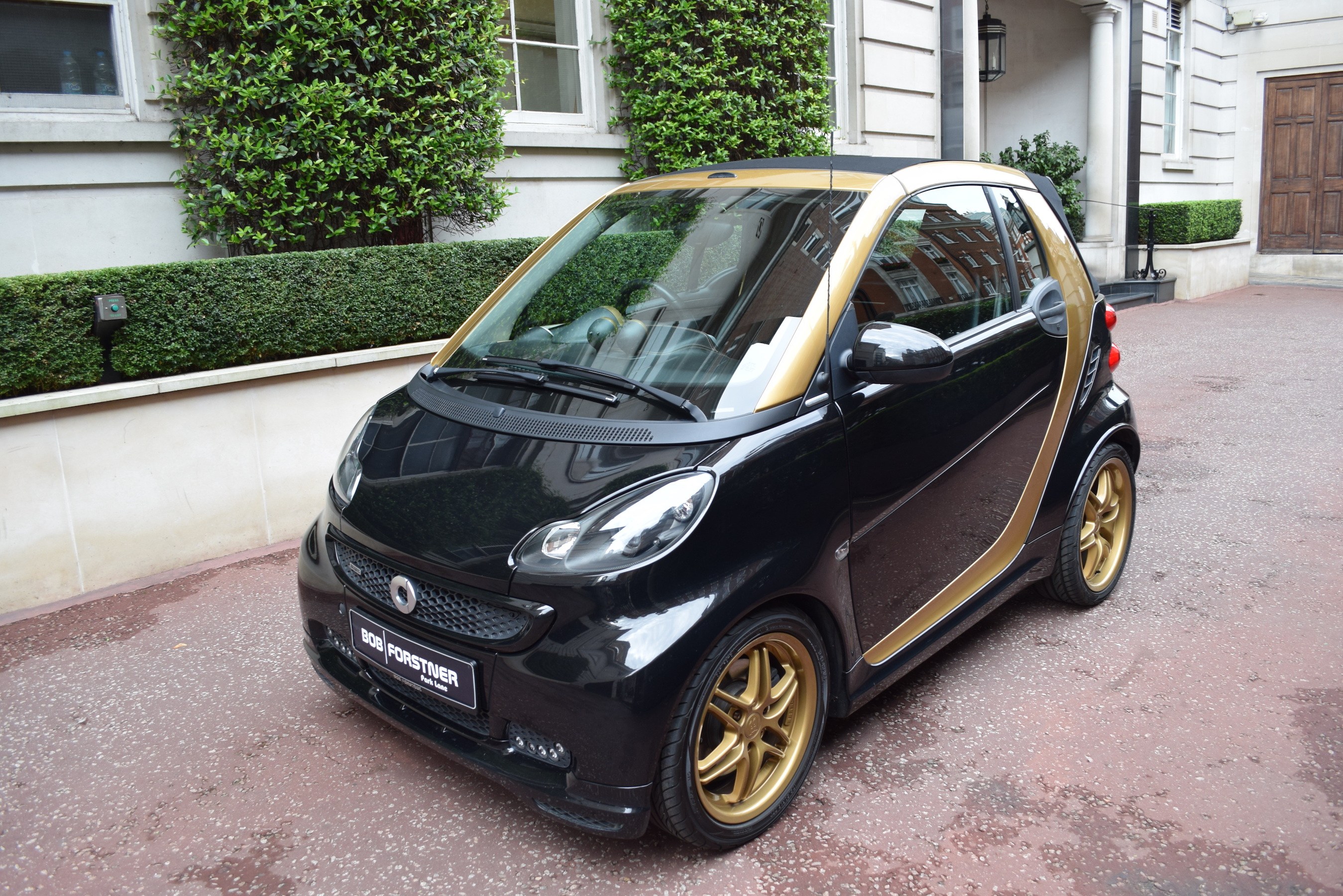 Smart fortwo Carbio BRABUS black & gold