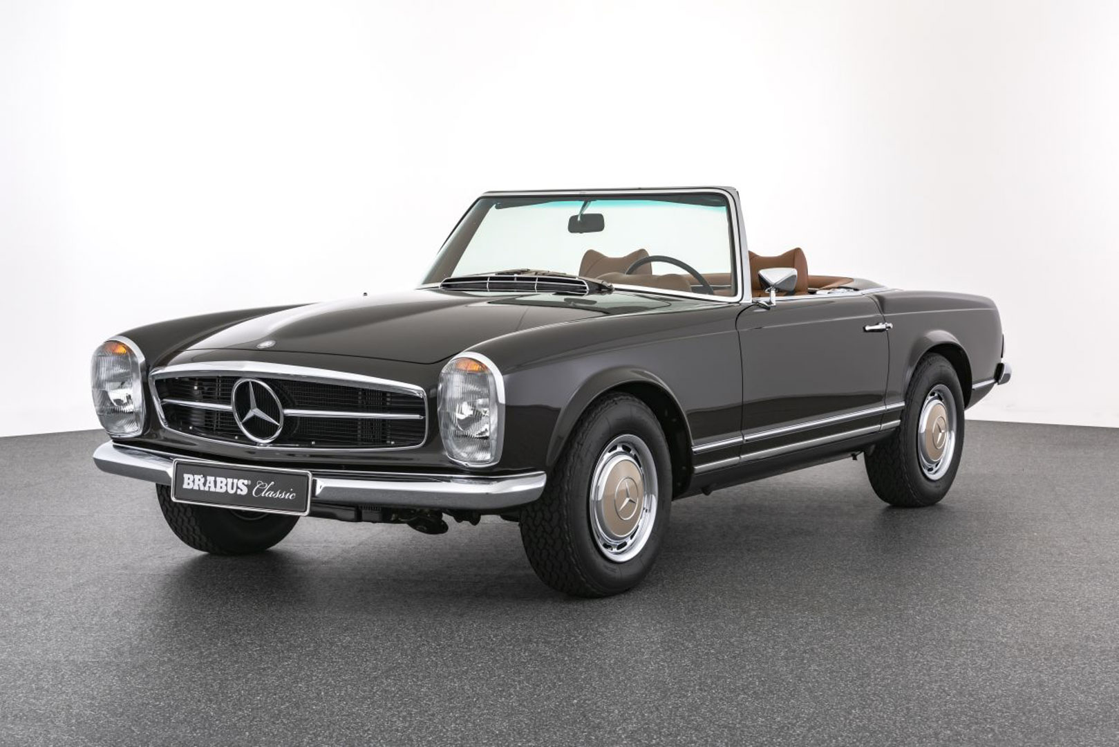 BRABUS Classic – 280 SL Pagoda (1971) – Tabacco Brown with cognac