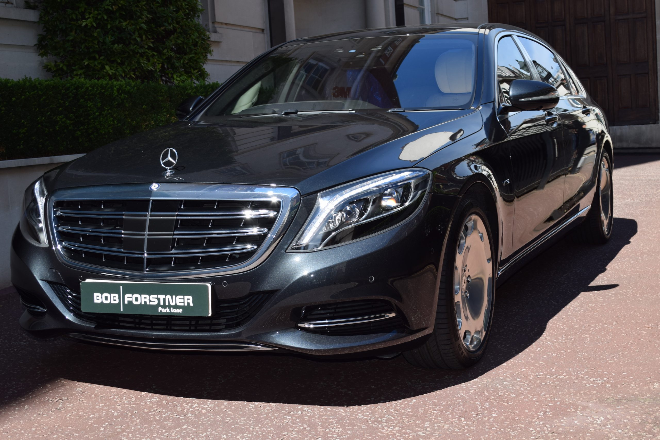 S600 Mercedes Maybach with V12 Engine (2016)